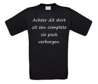 Achter dit shirt zit een complete six pack verborgen t-shirt korte mouw