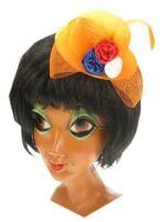 Minihoedje oranje met deco en haarklem